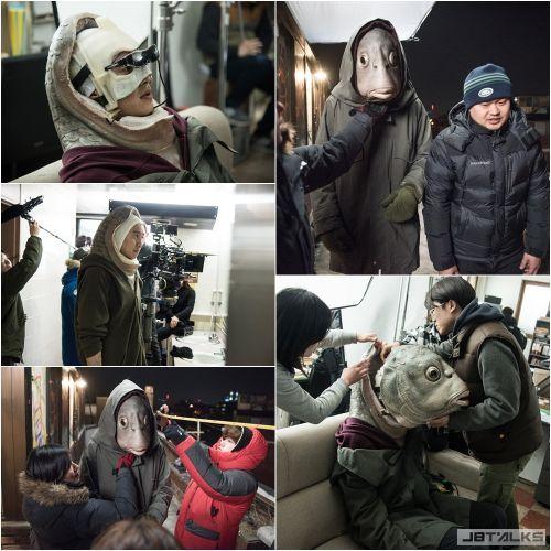 《突然變異》拍攝現場:李光洙頭戴8kg面具熱血拚演技