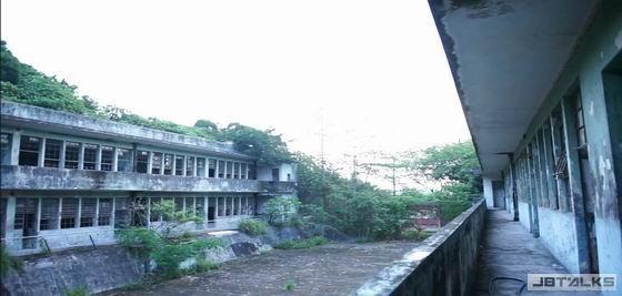 恐怖喔〜拍片拍到最猛「鬧鬼學校」!