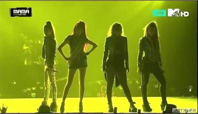 YG放大絕 2NE1在MAMA合體
