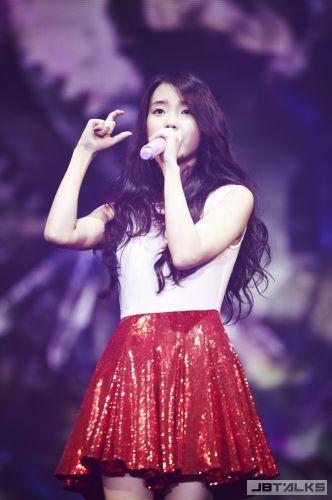 IU韓國巡演加開首爾安可場 與粉絲共度今年最後時光