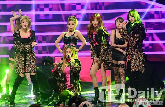EXID亮相《Show Champion》 勁歌熱舞精彩無限