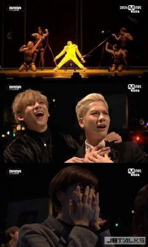 看到自家老闆的火辣表演時,GOT7和TWICE的反應大不相同啊!