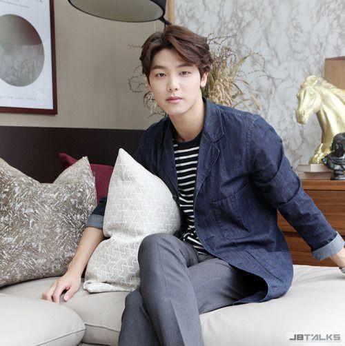 CNBLUE姜敏赫:身懷麒麟臂的暖男?