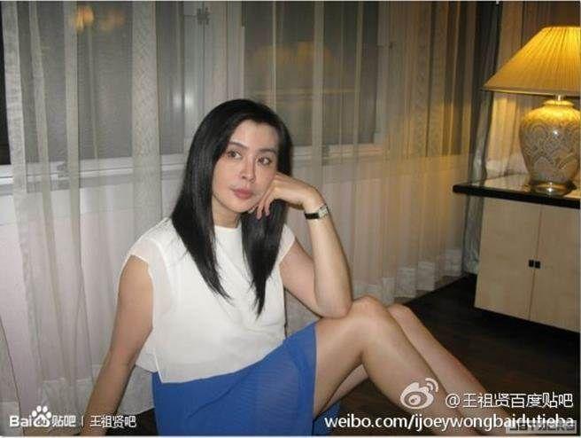 小倩回來了!王祖賢秀美照賀新年
