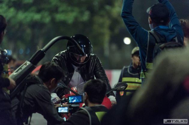 金宇彬廣告花絮照曝光 油頭長腿迷翻眾人