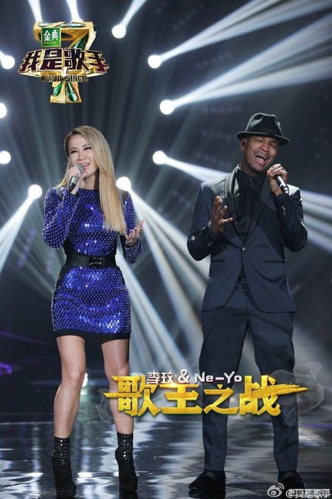 《我是歌手4》總決賽 徐佳瑩、李克勤遭幫唱搶鋒頭?