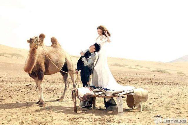 不一樣的畫風! 何潤東內蒙古拍攝婚紗照