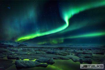 冰岛极光-360x240.jpg