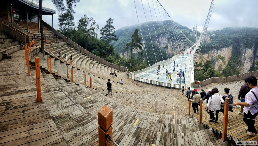 Zhangjiajie-Glass-Floor-Bridge-.jpg